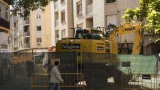 Las obras de la calle de Matheu han afectado a la circulación en la plaza de San Gregorio.