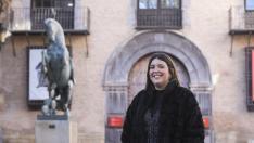 Andrea Flores, zaragozana de 23 años, esta Navidad prefiere gastar más en momentos con amigos y familia que en regalos.