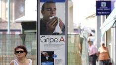 Cartel para la prevención de la grip A en una calle de Zaragoza en septiembre de 2009.