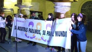 Manifestación feminista en Monzón por el 8-M.