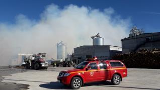 Incendio en una empresa de pellets de Erla