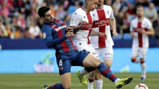 El mejor Huesca solo empata en el campo del Levante