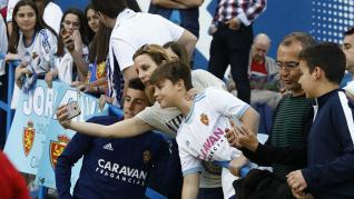 Búscate en La Romareda durante el partido Real Zaragoza – Alcorcón