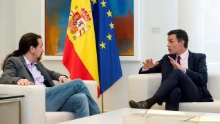 Pedro Sánchez recibe a Pablo Iglesias en la Moncloa