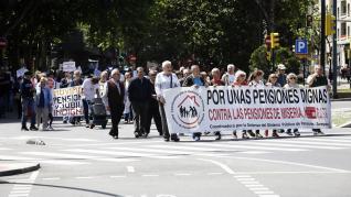 Protesta en defensa de las pensiones públicas en Zaragoza.