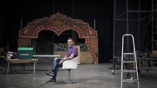 Cadrete presume de pasión lectora, puro teatro y empresas singulares