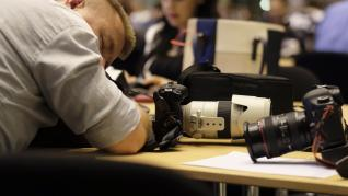 Larga espera de los periodistas ante la reunión de líderes de la UE