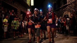 Imágenes de la salida, a las 00.00 de este viernes, de la gran fiesta de las carreras de montaña.