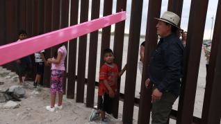 Balancines que borran la frontera entre México y EE. UU.