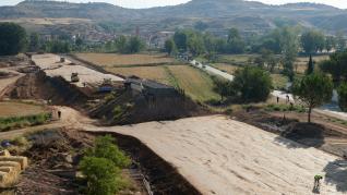 Manifestación en Navarrete para reclamar la mejora del viejo puente ferroviario.
