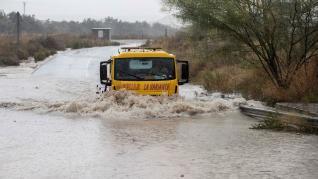 El temporal de lluvias en el levante español deja dos muertos, varios heridos y decenas de desalojados por las inundaciones.