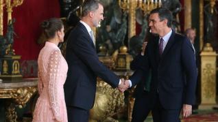 Besamanos en la recepción de los Reyes en el Palacio Real