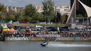 Nueva edición de los 45 Minutos Motonáuticos en el río Ebro, dentro del programa de las Fiestas del Pilar