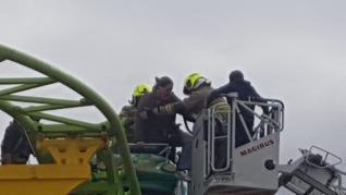 Rescatan a varias personas atrapadas tras el fallo de una atracción en las ferias