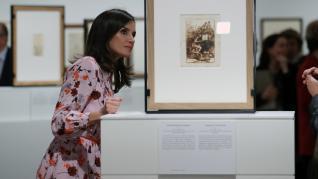 La reina Letizia durante la inauguración de la exposición 'Solo la voluntad me sobra. Dibujos de Goya', en el Museo del Prado