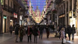 Pruebas de iluminación navideña de 2019 en la calle Alfonso I de Zaragoza