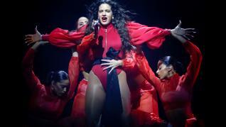 La cantante Rosalía, consagrada este año como estrella internacional, durante el primero de sus dos conciertos en el Palau Sant Jordi de Barcelona, en la etapa final de la gira de presentación de su segundo disco 'El Mal Querer'