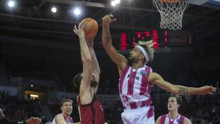 Partido de Basketball Champions League Casademont Zaragoza-Telekom Bonn
