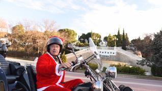 Los 'Papa Mañoel' recogen juguetes nuevos para Cruaz Roja