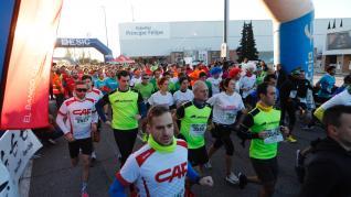 La carrera de Empresas ESIC ha reunido en Zaragoza a cerca de 4.000 corredores este domingo.