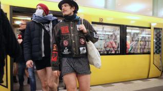 Día sin pantalones en el metro.