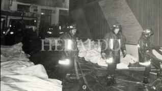 Imágenes de archivo del incendio de la discoteca Flying, el 14 de enero de 1990.