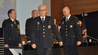 Durante el acto se ha realizado un pequeño homenaje a los policías jubilados en 2019 y una entrega de medallas y condecoraciones.