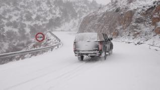 Nevadas en Cedrillas (Teruel) y carretera A-226 en el puerto de Cabigordo por la borrasca Gloria