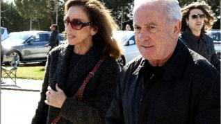 Ana Belén y Víctor Manuel visitan la capilla ardiente con los restos de José Luis Cuerda.