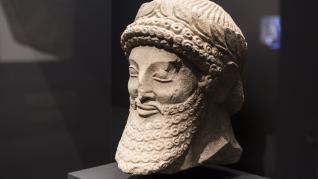 Caixaforum Zaragoza muestra a través de 217 objetos el lujo de los asirios hasta Alejandro Magno