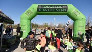 II Carrera y caminata solidaria por la Igualdad organizada por CSIF en el Parque del Agua en Zaragoza