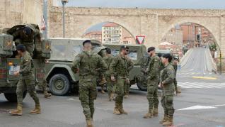 Militares patrullan por Teruel para hacer cumplir el estado de alarma