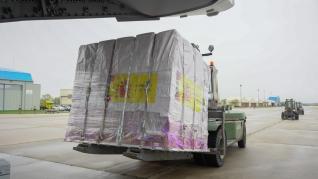 El avión de la Base de Zaragoza llega a Torrejón con 14 toneladas de test y mascarillas