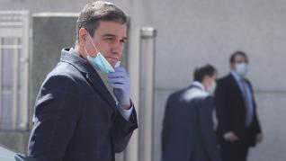 El presidente Sánchez, acompañado del ministro de Sanidad, ha visitado la empresa Hersill, en Móstoles, que ha comenzado a fabricar respiradores.