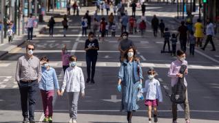 Los menores de 14 años salen a la calle tras 43 días de confinamiento