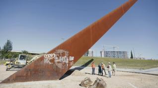 Obras de pavimentación de la plaza del gran reloj solar de Zaragoza
