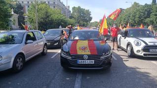 Manifestación de Vox en Madrid con coches contra el Gobierno