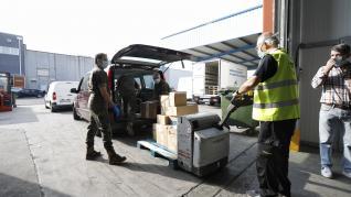 El Ejército de Tierra y la UME llevan 740 kilos de comida al Banco de Alimentos