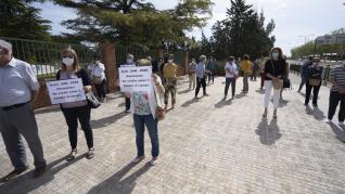 Manifestación en apoyo a las monjas de la residencia de San José en Teruel tras a crisis del covid-19