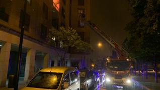 Incendio en un domicilio situado frente a la Aljafería