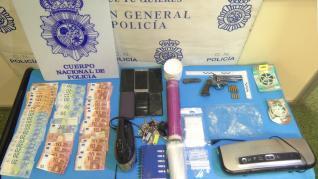 5La Policía Nacional desmantela dos puntos de distribución de estupefacientes en el Barrio de Delicias
