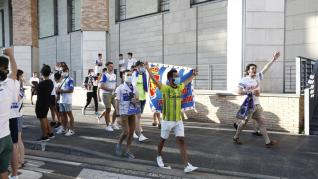 El Real Zaragoza no ha estado solo en su llegada a La Romareda.