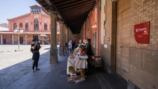 Feria de artesanía en el Matadero de Zaragoza.
