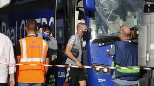 Llegada de los jugadores del Real Oviedo a La Romareda.