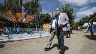 Javier Lambán visita el parque de Atracciones de Zaragoza