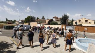 Protesta vecinal contra la okupación ilegal en Cadrete.