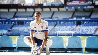 Zanimacchia, al mediodía de este miércoles, vestido por primera vez con el uniforme del Real Zaragoza.