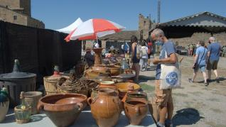 Los 17 expositores de 'kilómetro cero' participantes en la Expoferia de Aínsa recibieron la visita de 3.000 personas.