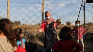 Refugiados del devastado campo de Moria empiezan a llegar a Lesbos.