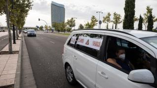 Caravana de coches para reivindicar los colegios pendientes